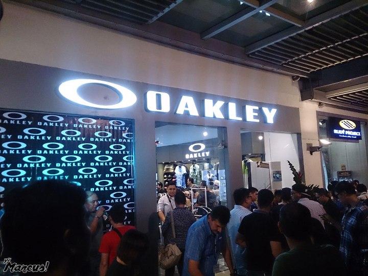 112915_oakley_1