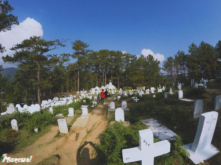 hanging-coffins-16